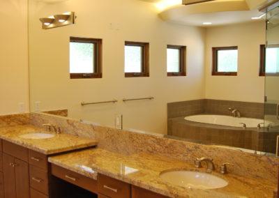 romani-la-canada-flintridge2-master-bathroom