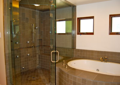 romani-la-canada-flintridge2-master-shower