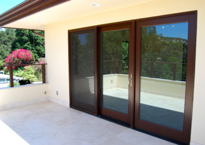 romani-la-canada-flintridge2-side-door