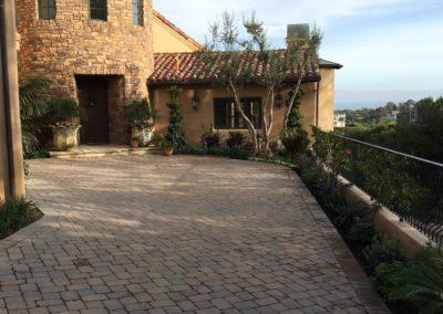 romani-malibu-driveway